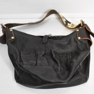 Tylie Malibu Park Avenue Leather Utility Hand Bag